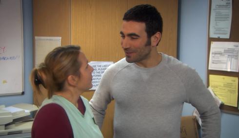 Derek - S2 - E2 - Tom and Hannah